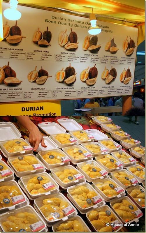 Jusco Wan Utama durian stand