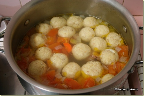 big pot of matzoh balls