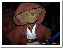 tn_2009-12-02 Marlowe in Jedi Outfit