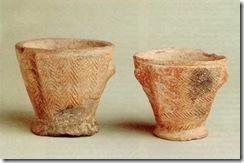 Fig. 2. Vasos de doble fondo, pertenecientes a la cultura talayotica.