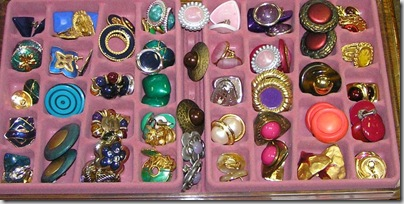 Researching Costume Jewelry >> A Classy Flea Researching Costume Jewelry