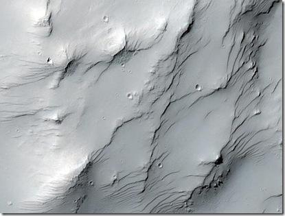 Topografia próximo ao morro Zephyria Tholus, sugerida pela blogueira Emily Lakdawalla (Foto: NASA/JPL-Caltech/University of Arizona)