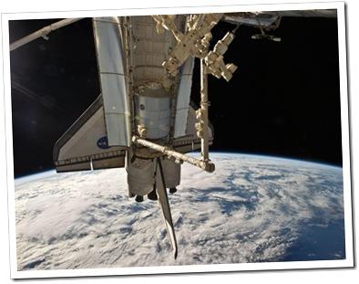 Discovery, fotografado a partir da ISS (Foto via R7)