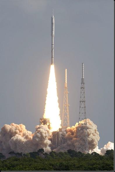 Lançamento Ares 1-X (Reuters/Scott Audette)