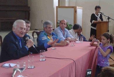 Buzz Aldrin contou batalha contra a depressão e o alcoolismo a jovens (Foto: Marília Juste / G1)