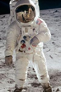 Buzz Aldrin na imagem que é uma das mais famosas da missão Apollo 11 (Foto: Divulgação)