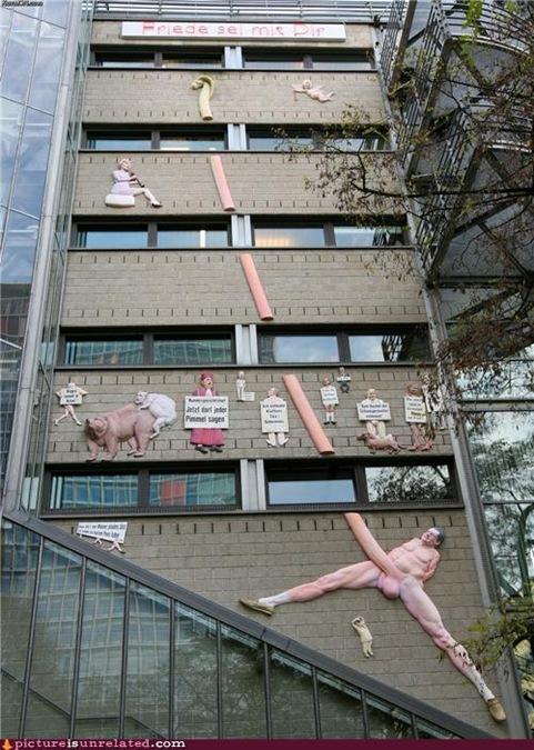 wht building art