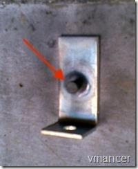 paku beton yang terpasang