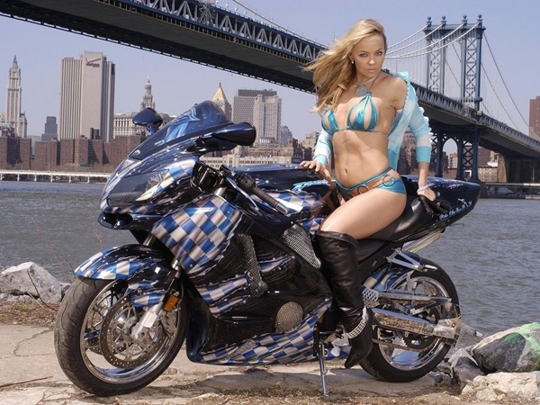 Hot_bikes_babes_and_cars-8