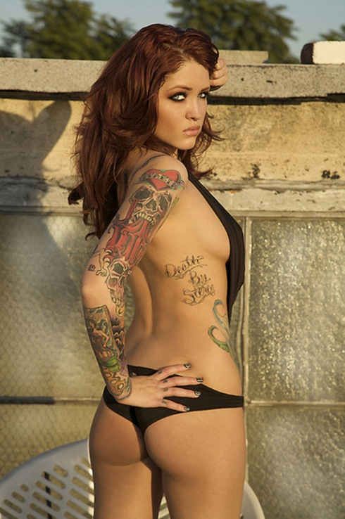 http://lh5.ggpht.com/_LuWNwQ8bVQ8/TGyNWoP6naI/AAAAAAAALJw/1Zn2z3veuvk/beautiful_women_with_tattoos_18_thumb%5B1%5D.jpg?imgmax=800