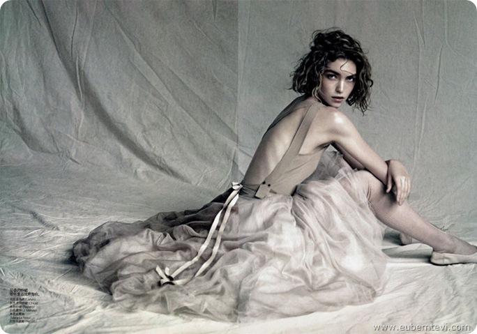arizona-muse7  for Vogue China April