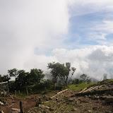 塔ノ岳到着!雲の中で展望は望めませんでした。