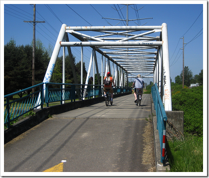 Interurban Trail: bridge over the Green River