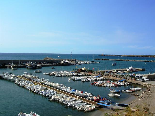 der Fischereihafen von Terrasini