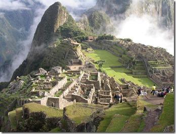 Machu_Picchu_Peru_01