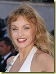 """ Le Petit Journal Quotidien "" Maria21 - Page 3 ArielleDOMBASLE_thumb2"