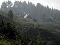 Planina Krstenica v jutranjih meglicah