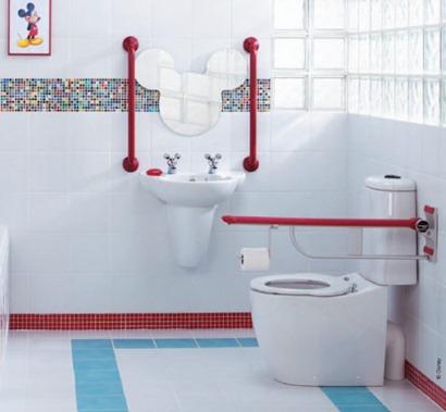 disney-theme-bathroom-582x538