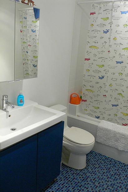 kids-bathroom-curtains