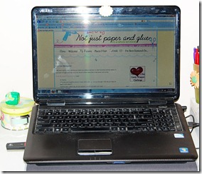 computer-with-badge
