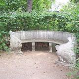 Bänk i trädgården, Villa Marlier
