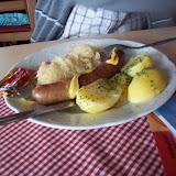 Wurst, sauerkraut och potatis - mat för en karl!