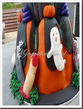 halloween taart deel 7 008