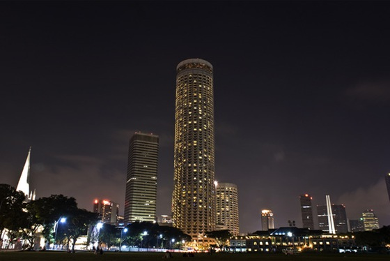 Facts around us world 39 s beautiful tallest hotels luxury for Tallest hotel in singapore