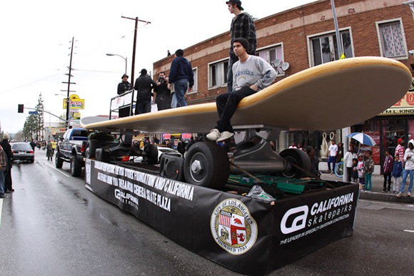 THE WORLDS LARGEST SKATEBOARD 6