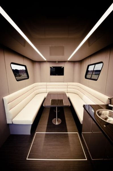 Futuria - yacht_on_wheels 13