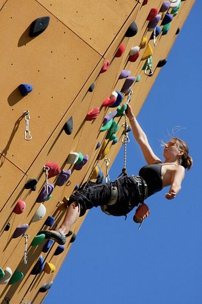 worlds_tallest_climbing_wall_03