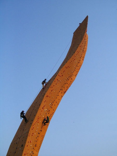worlds_tallest_climbing_wall_01