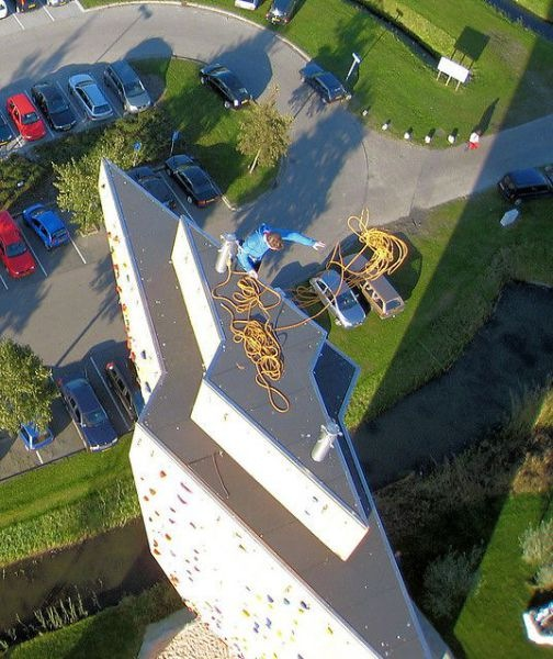 worlds_tallest_climbing_wall_14