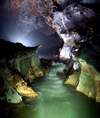 largest-vietnam-cave