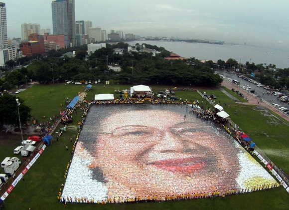 World's Largest Photo Mosaic (by Revoli Cortez) 02