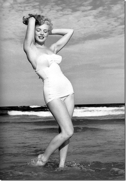 Marilyn_Monroe_1949_Beach_Photoshoot_022