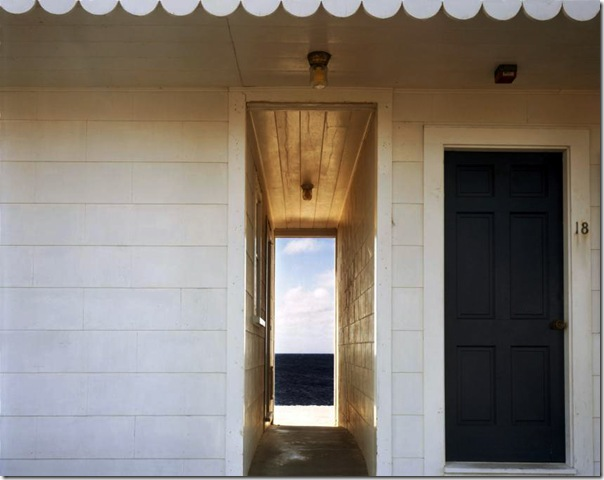 joel meyerowitz - Doorway to the Sea  Provincetown  1982