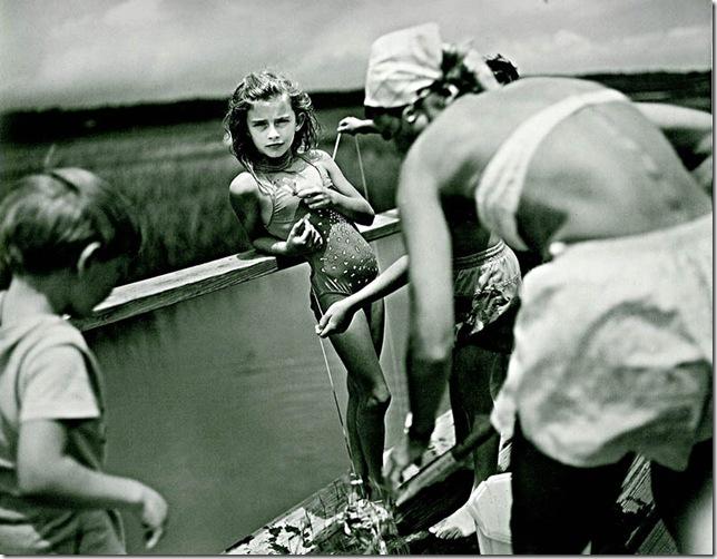sally mann -crabbing
