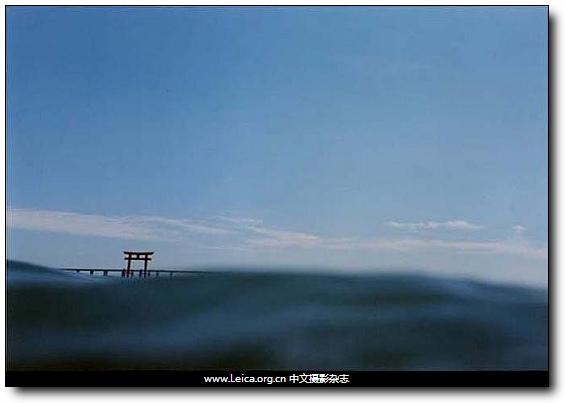 『摄影展』楢桥朝子:一半现实,一半海水