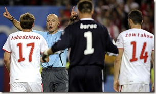 Howard-Webb-referee-footb-001