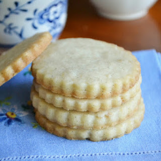 Vanilla Bean Shortbread Tea Cookies