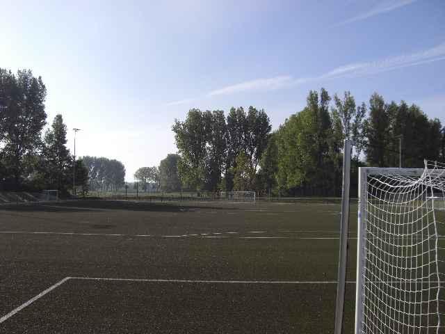 Sportplatz29040915.jpg