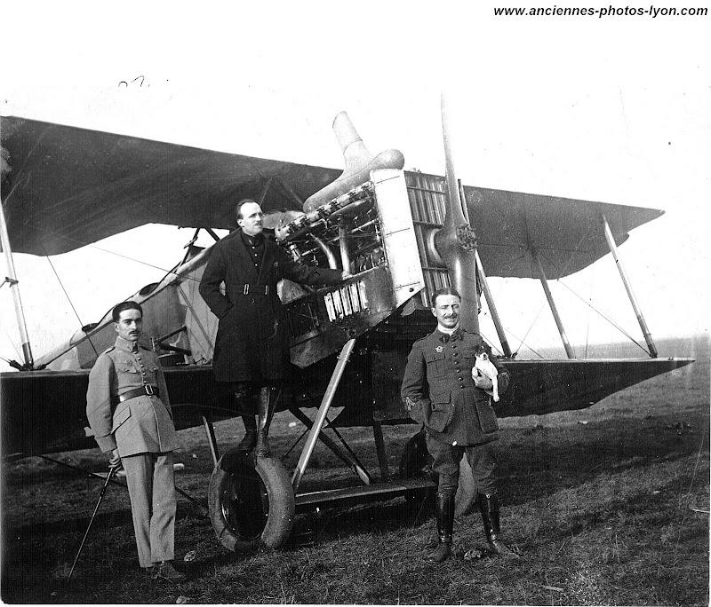 Equipage de photographie aérienne de Fleury Seive, autour de 1930, 35ème régiment d'aviation, Aéroport de Lyon Bron