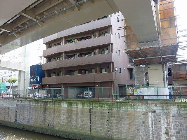 一の橋際の青山八郎左衛門邸跡