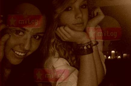 Telefarandula- Miley y Taylor