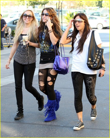 miley-cyrus-girls-day-out-05