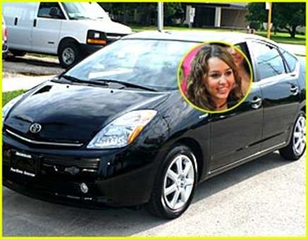 miley-cyrus-new-car-pruis
