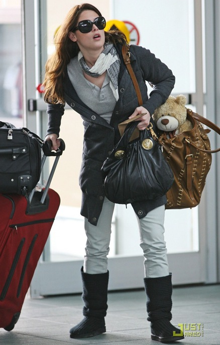 ashley-greene-travel-teddy-02