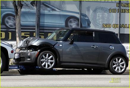 annalynne-mccord-car-accident-06