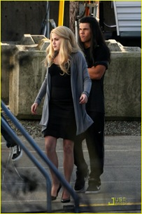 new-moon-cast-on-set-08